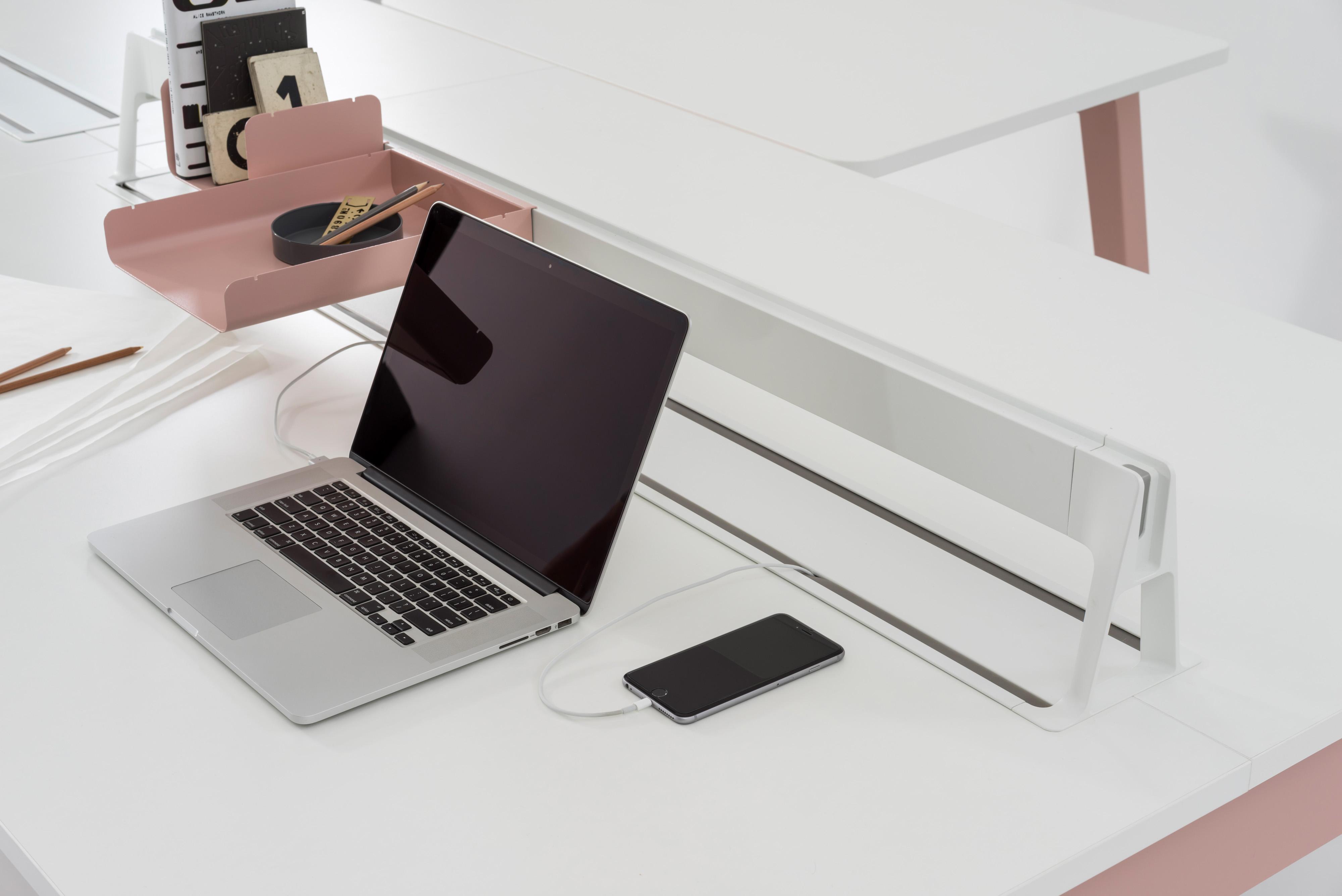 OptimisTM Desking