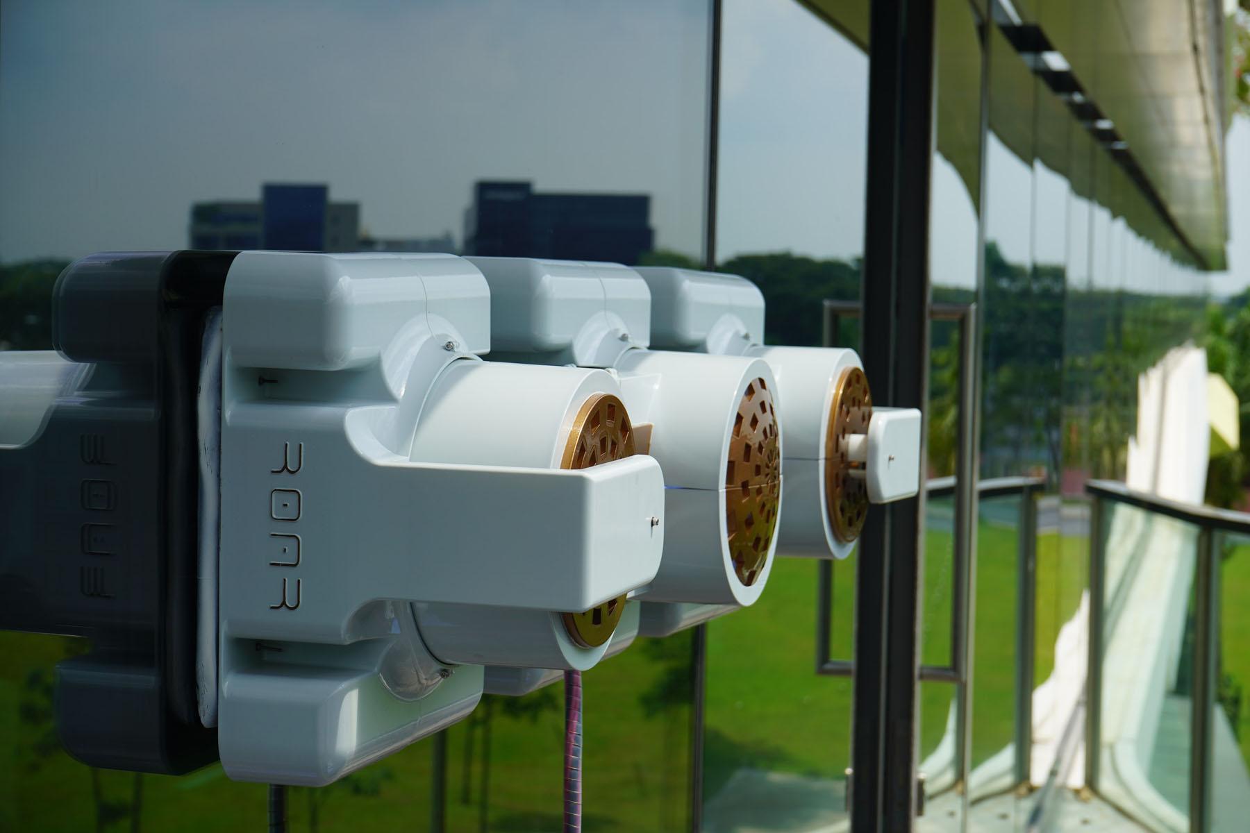 Mantis: A Modular Window Facade Cleaning Robot